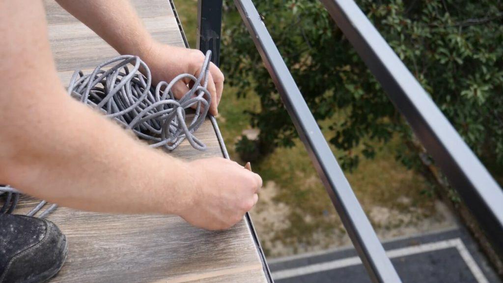 Montaż sznura dylatacyjnego
